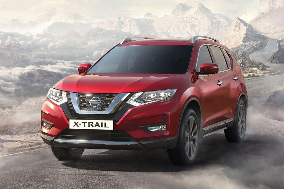 Nissan X-Trail Front Side View