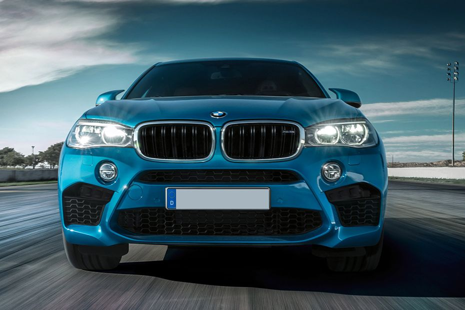 Full Front View of X6 M