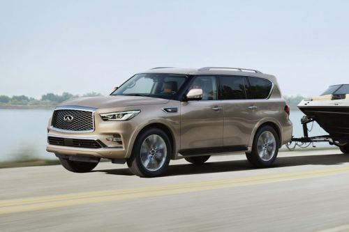 Infiniti QX80 Front Side View