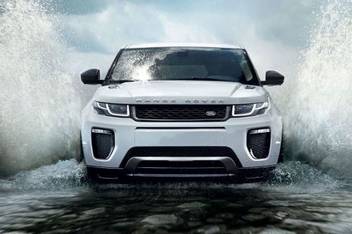 Full Front View of Range Rover Evoque 5 Door