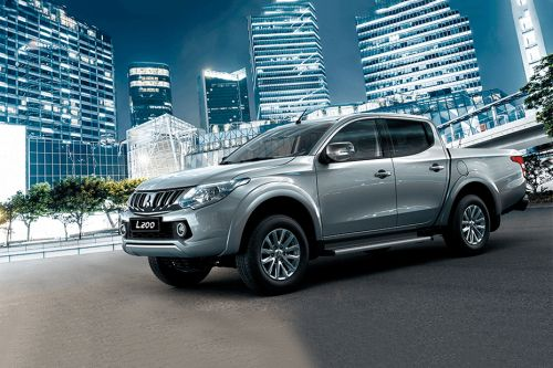 L200 Front angle low view