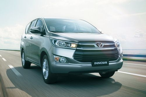 Toyota Innova Front Medium View