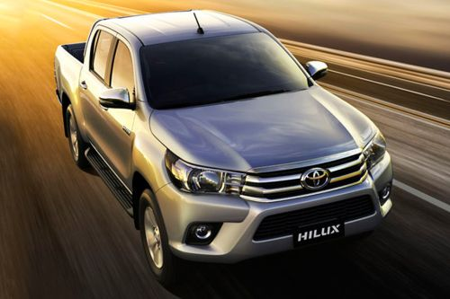 Toyota Hilux Front Medium View
