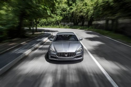 Full Front View of Quattroporte